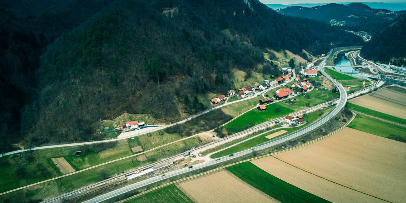 Upgrade of rail tracks of Zidani Most – Rimske Toplice and the railway station Rimske Toplice with the execution of the off.level crossing