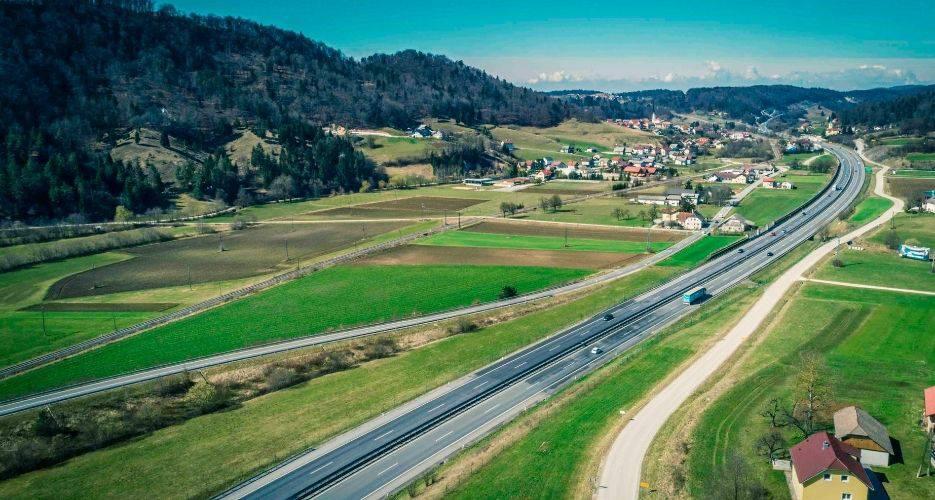 Renovation of the drive construction at the expressway sections HC Vipava – Ajdovščina and Ajdovščina – Selo