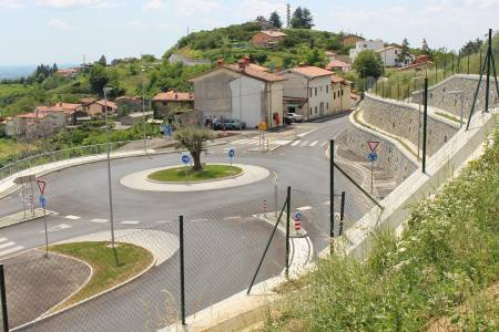 Construction of a roundabout in Gonjače and reconstruction of the road